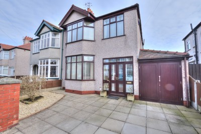 Newborough Avenue, Crosby, extended semi detached family house, quiet cul-de-sac, large rear garden, 3 bedrooms, conservatory, 3 reception rooms, parking.