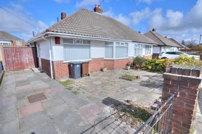 Greenway, Crosby, semi detached bungalow, quiet location, no chain, 2 bedrooms, conservatory, driveway, garage, gardens.