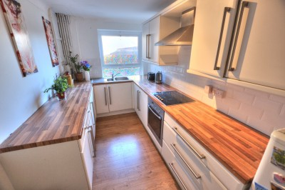 First floor flat for sale on Park Terrace, Waterlloo, well presented, modern kitchen & shower room, close local shops and railway station.