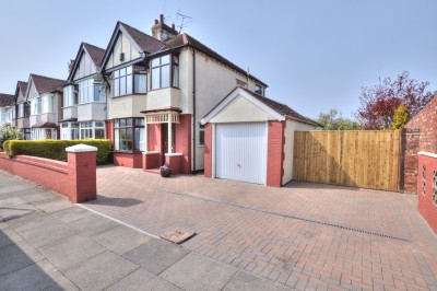 Extended semi detached family house, cul-de-sac, close to schools, large rear garden, self contained annexe, well presented throughout, ample parking, garage.
