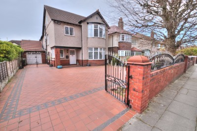 College Road North, Blundellsands, detached family house, large South West facing rear garden, large driveway, garage, 5 bedrooms, sought after location.