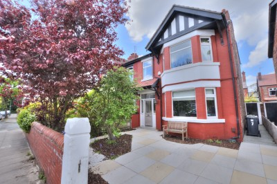 Princes Avenue, Crosby, spacious character semi detached house, close to shops, schools and parks, well presented throughout, 4 bedrooms, driveway