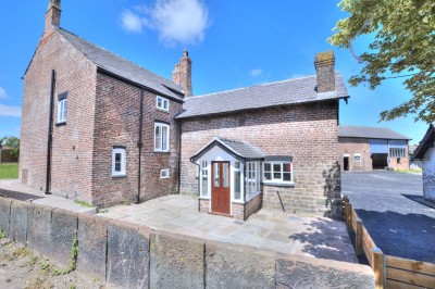 Large detached grade 2 listed house, large gardens & plot, large stables with planning permission, ample parking, no chain.