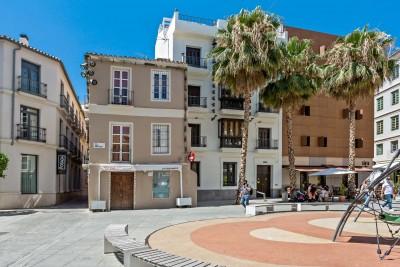 Luxe modern herenhuis met 5 slaapkamers te koop in het hart van het historische Malaga
