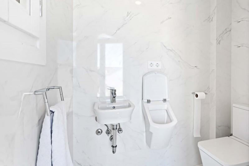 RC1877_1_28_Toilet Roof