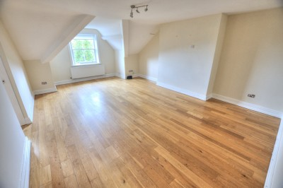 Rosslyn Court, Merrilocks Road, Blundellsands, second floor flat, 2 bedrooms, parking, unfurnished.