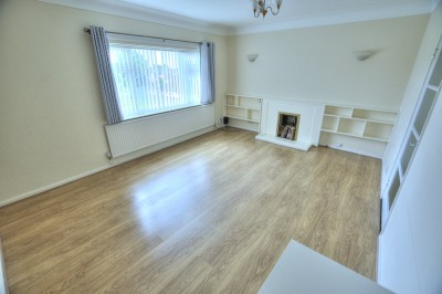 Moor House, The Northern Road, Crosby, second (top) floor flat, close to shops & amenities, no chain, 2 double bedrooms, modern kitchen & bathroom.