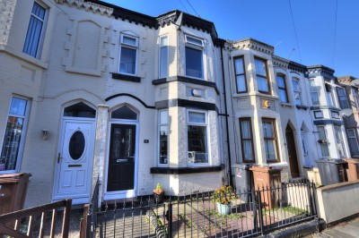 Corona Road, Waterloo, well presented terraced house, 2 double bedrooms, spacious bathroom, close to schools, close to local shops, pleaseant rear courtyard.