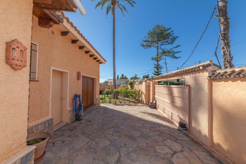 Single story villa San Pedro de Alcantara-2