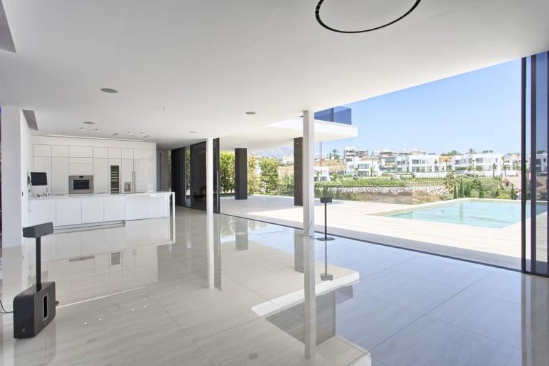19 Living Terrace