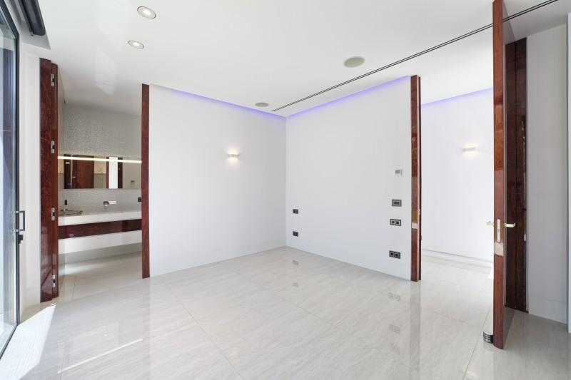 36 Bedroom