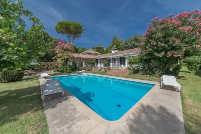 Detached villa with swimming pool and tennis court at Rancho Domingo, Benalmadena