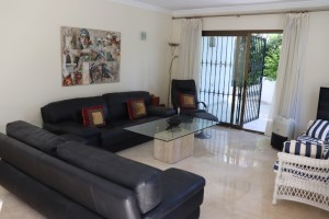 1435 - Apartment For sale in Elviria Playa, Marbella, Málaga, Spain