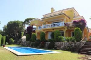 Elviria 5 bed villa with sea views.
