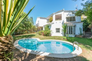 1731 - Villa For sale in Elviria, Marbella, Málaga, Spain