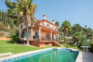Marbella 4 bed villa with sea views.