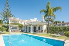 749568 - Villa for sale in Elviria, Marbella, Málaga, Spain