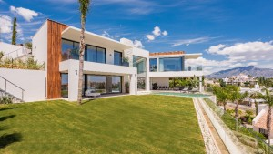 2197 - Villa For sale in La Alquería, Benahavís, Málaga, Spain