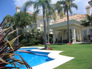 1000APV699 - Villa For sale in Marbella, Málaga, Spain