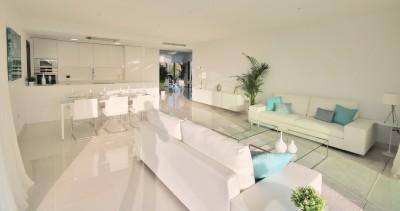 780713 - Apartment For sale in Atalaya, Estepona, Málaga, Spain