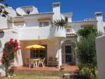 Excellent townhouse, ideal for holidays or permanent living, under 100m to the beach.