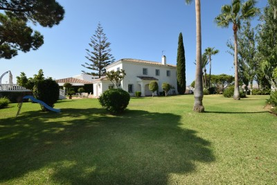 Stunning villa for sale in La Cala de Mijas with amazing sea and mountain views