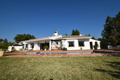 4 bedroom villa with sea views for sale in El Chaparral La Cala de Mijas