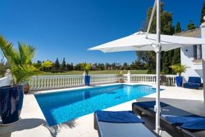Detached Villa Sprzedaż Nieruchomości w Hiszpanii in El Chaparral, Mijas, Málaga, Hiszpania