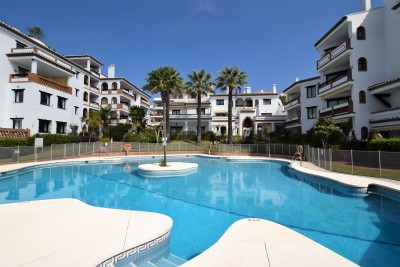 3 bedroom garden apartment for sale in Calahonda Park