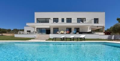 Luxuriöse Neubauvilla kaufen mit beeindruckendem Meerblick in Puntiro, Mallorca