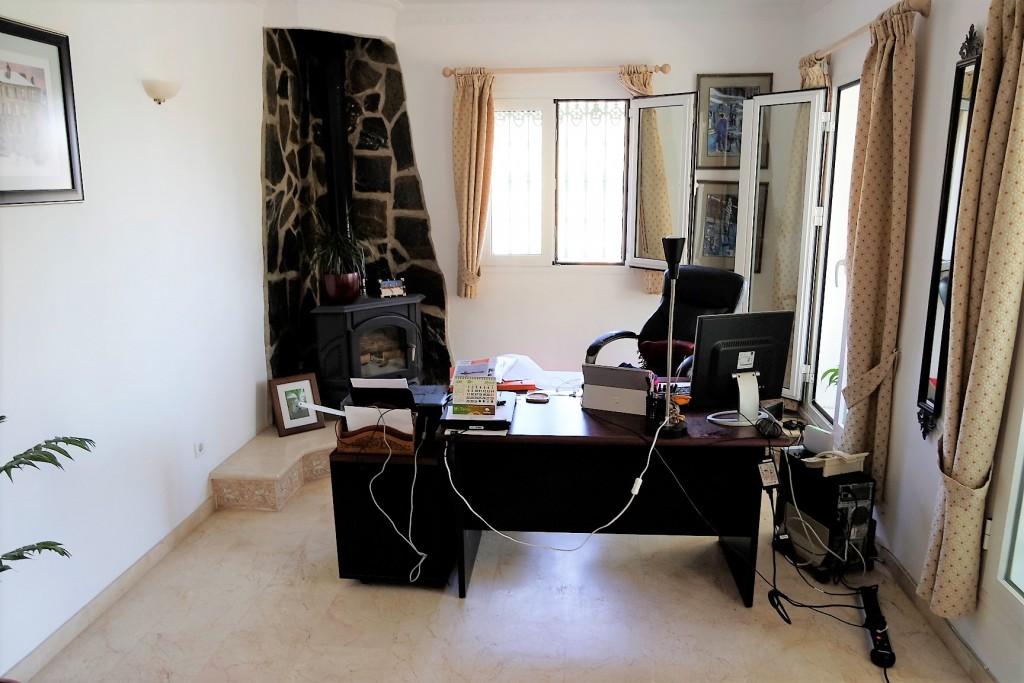 1498-bedroom2