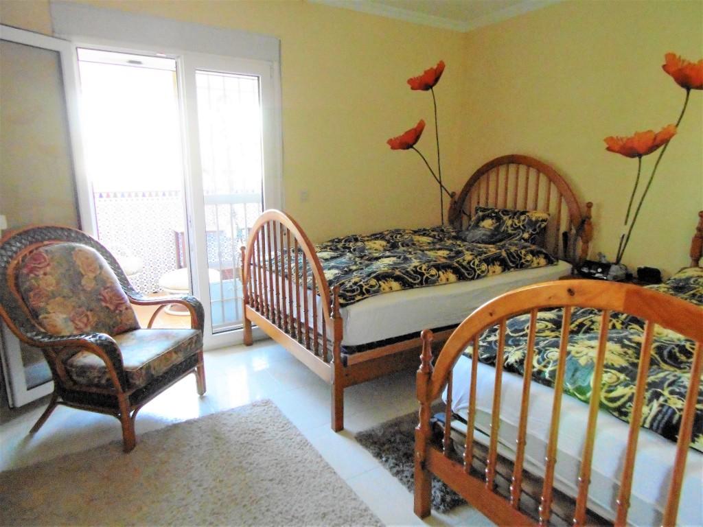 1580-bedroom