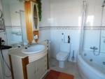 1580-guest bath