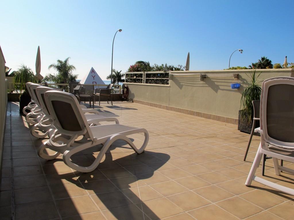 1710-terrace2