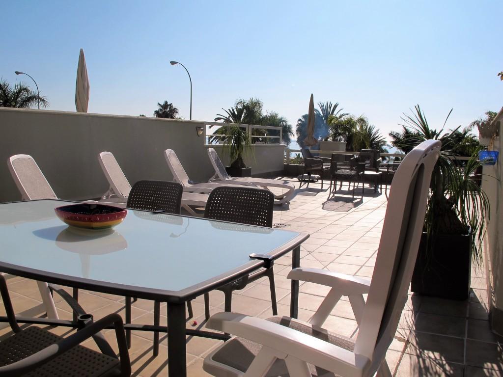 1710-terrace4