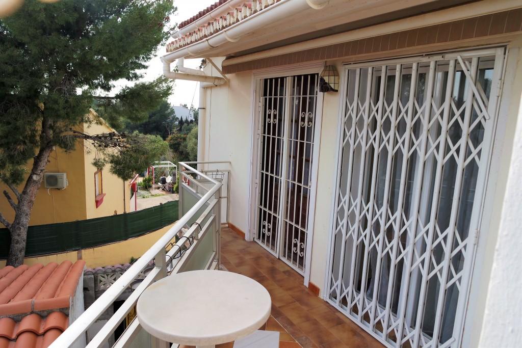 1711-balcony