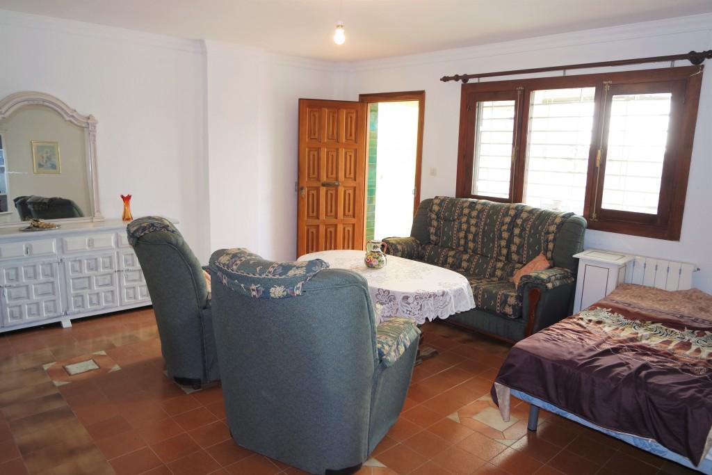 1711-guestliving1