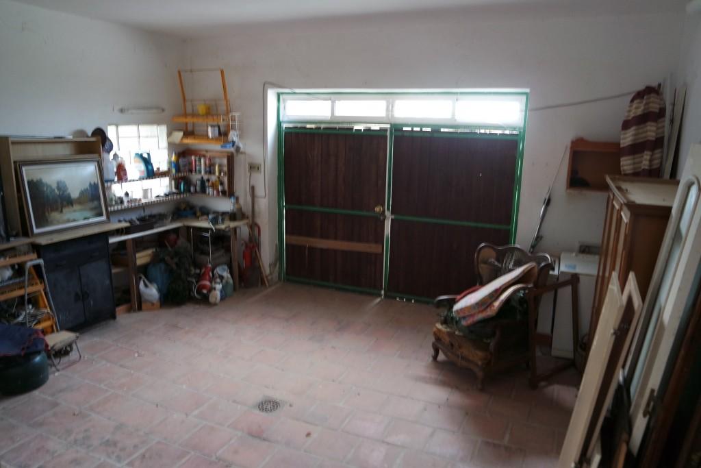1711-garage