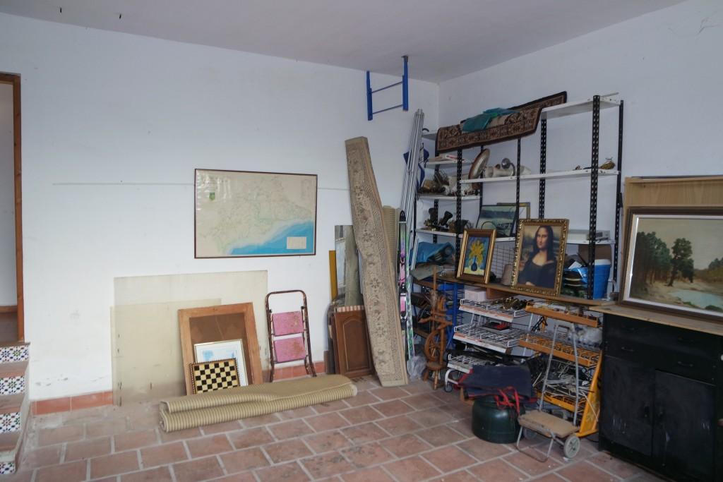 1711-garage1
