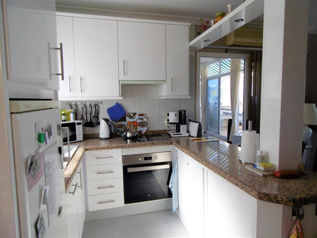1613-kitchen1