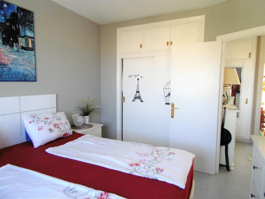 1613-bedroom2