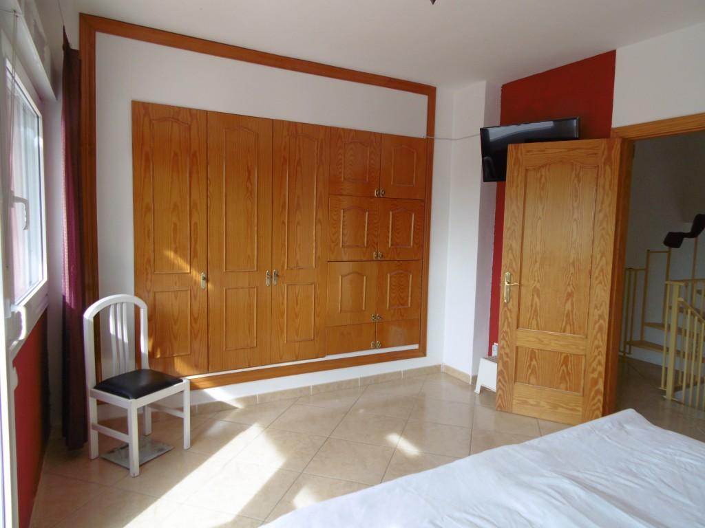 1634-bedroom1