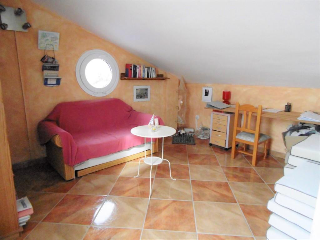 1634-bedroom4-4