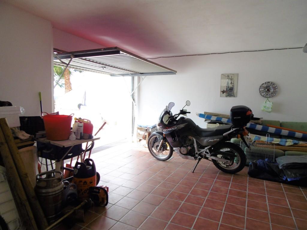 1634-garage