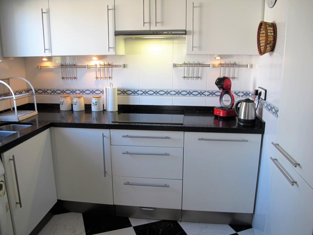 1648-kitchen2