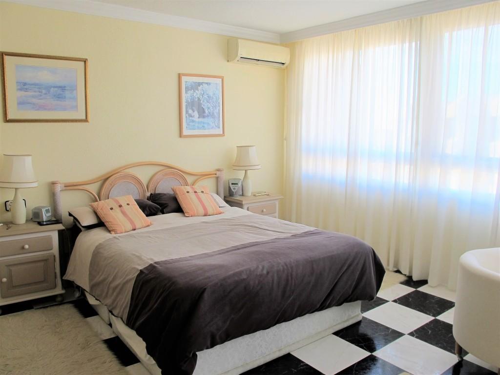 1648-bedroom