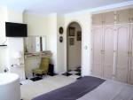 1648-bedroom1
