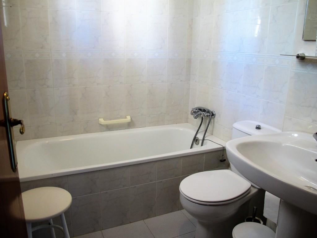 1649-bathroom