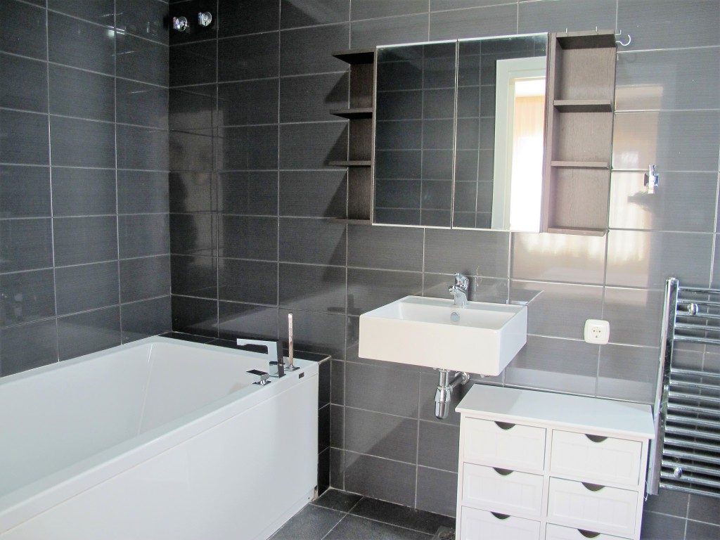 A218-bathroom