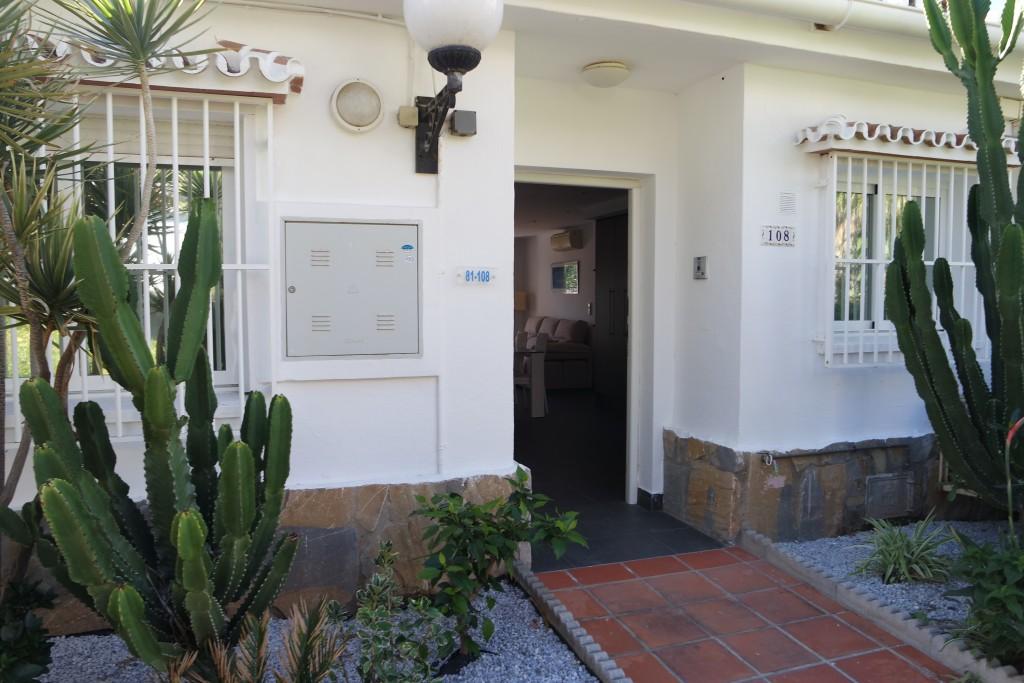 A218-entrance